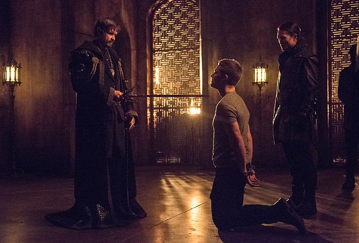 "Ra's al Ghul's offer to Oliver Queen in the recent episode of Arrow stirred up a lot of conversation among the fan, some accusing the plot to be ""Rip off Batman"". But, none the less, we have an acc..."