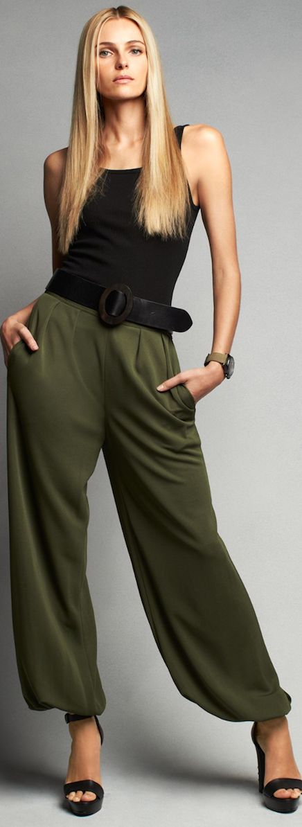 I love the olive and black combo. This looks so comfy yet pulled together and could transition through any season.