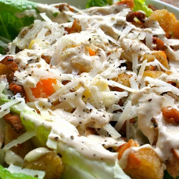 Aprende a preparar ensalada César original con esta rica y fácil receta. La ensalada César original es una de las ensaladas más conocidas en todo el mundo....