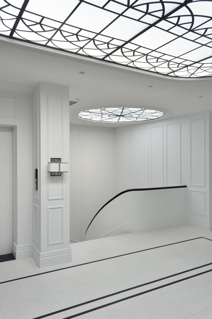 Luxurious. Sophisticated. Elegant. Timeless. The architectural design and use of black and white bring a jaw dropping drama to this home. The modern minimalism blended with classic Georgian details creates a home that inspires. Intrim Mouldings provided CR12 and CR04 Chair Rail for the wainscoting wall panelling and SK115 profile timber skirting boards. Blainey North Architects created the concept for this beautiful home and SQ Projects brought it to life.