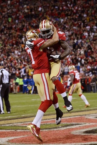 49ers QB, Colin Kaepernick, celebrates after a touchdown pass to Vernon Davis! #NFL #49ers
