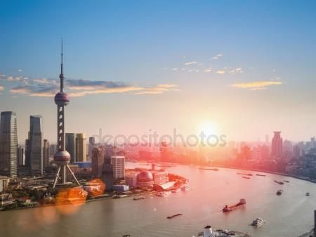 Download - Shanghai  in a beautiful dusk — Stock Image #47352365