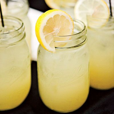 Lynchburg Lemonade:  1 part Jack Daniel's Tennessee whiskey,  1 part sweet and sour mix,  1 part triple sec,  4 parts Sprite soda.    Add ice and stir. Garnish with lemon slices.