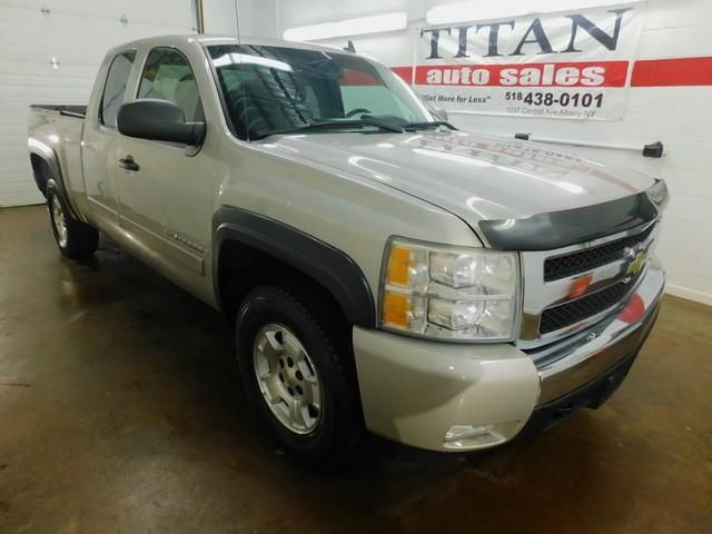 2007 Chevrolet Silverado 1500 LT **FOR SALE** By Titan Auto Sales LLC - 1037 Central Avenue Albany, NY