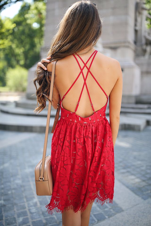 obsessed with the back of this dress...