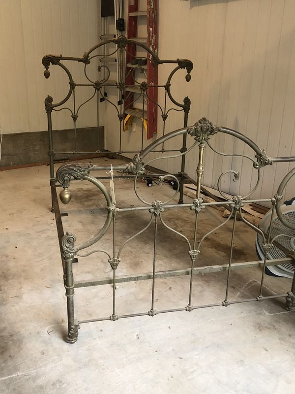 Beautiful Ornate Antique Iron And Brass Bed Frame Furniture In