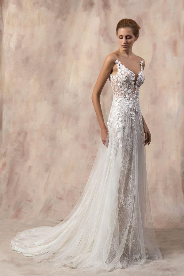 WENDY #weddinggown #celestialcollection #newbridalcollection #costantinobridal #weddingingreece