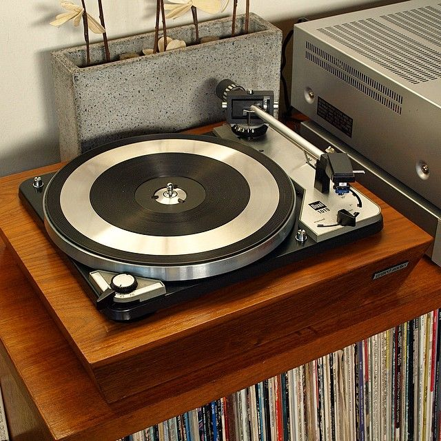 my latest #turntable restoration, a 1968 #Dual 1019 in an American oak United…