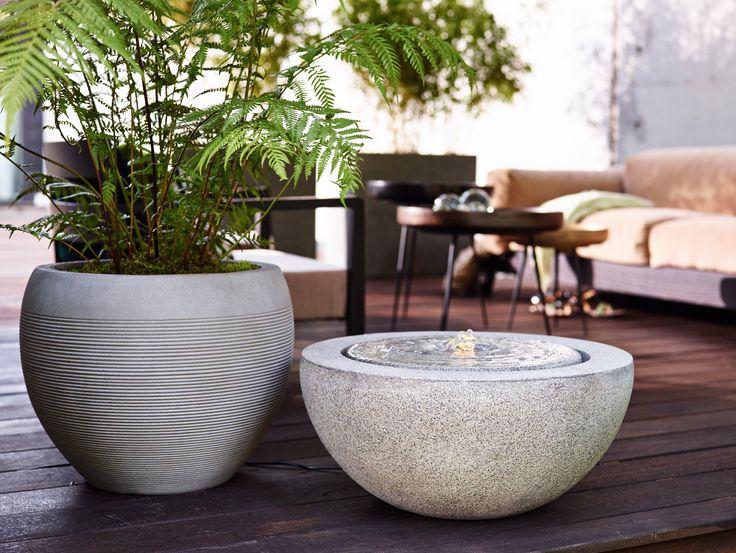 Modern und zeitlos. #esteras #emsa #emsagmbh #fountainslite #granitegrey #grau #loa #naturelite #blumenkübel #brunnen #architektur #modern #edel #fiberglas #leicht