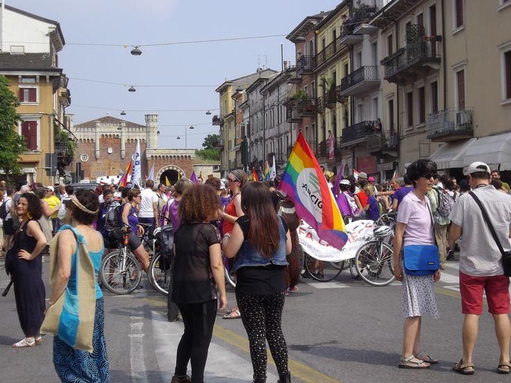 Verona 6 Giugno 2015. In Diecimila sfilano in città al Verona Pride per dire basta alle discriminazioni