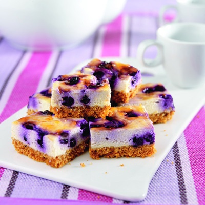 Healthy Blueberry Apricot Cheesecake Bars only 100 calories per square ...