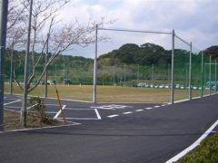 千葉県で思いっきりスポーツを楽しみたいなら長熊スポーツ公園がおすすめですよ 野山に囲まれた広い敷地に野球場とゲートボール場が整備されているのでのびのびとスポーツを楽しめます また周辺には紫陽花や桜などの植栽があるのでスポーツの目的以外でも楽しめるのも魅力です tags[千葉県]