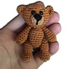 Mini-Teddy häckeln.....auf der Seite gibt es die kostenlose Anleitung                                                                                                                                                                                 Mehr