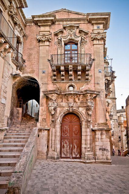 Ragusa Ibla, Sicily.  Ruggero Poggianella Photostream ©