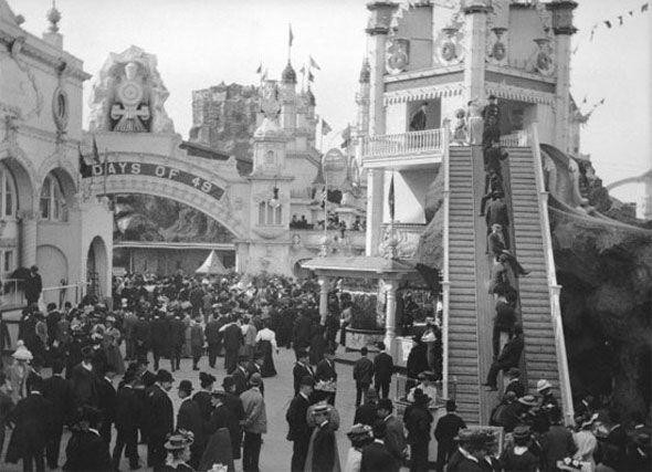 The first escalator in Toronto