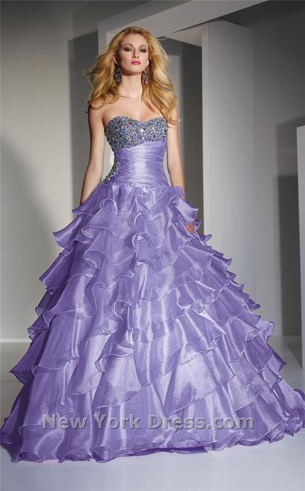 68 best flowy, ball gowns. images on Pinterest | Ball gown dresses ...