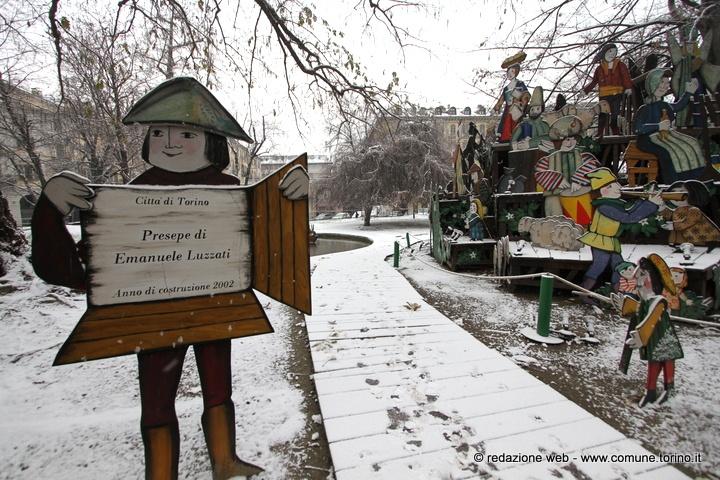 Un tocco di bianco sulla città. Il presepe di Emanuele Luzzati. #torino #neve #snow