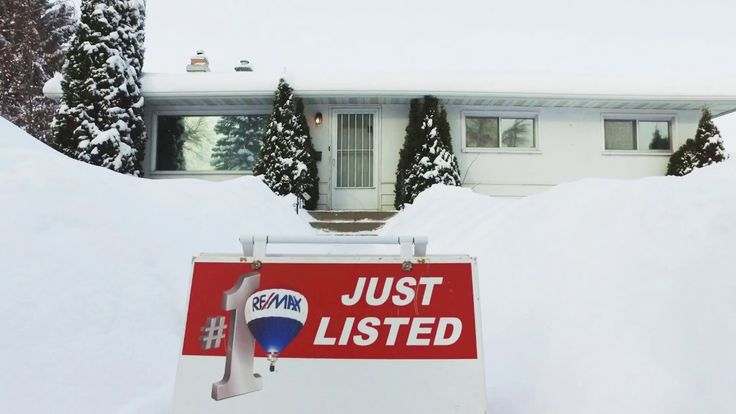 ** HOT NEW LISTING** 38 Kingsland Place SW  |  Calgary,AB  |  www.joeviani.com  |  RE/MAX Real Estate (Central)
