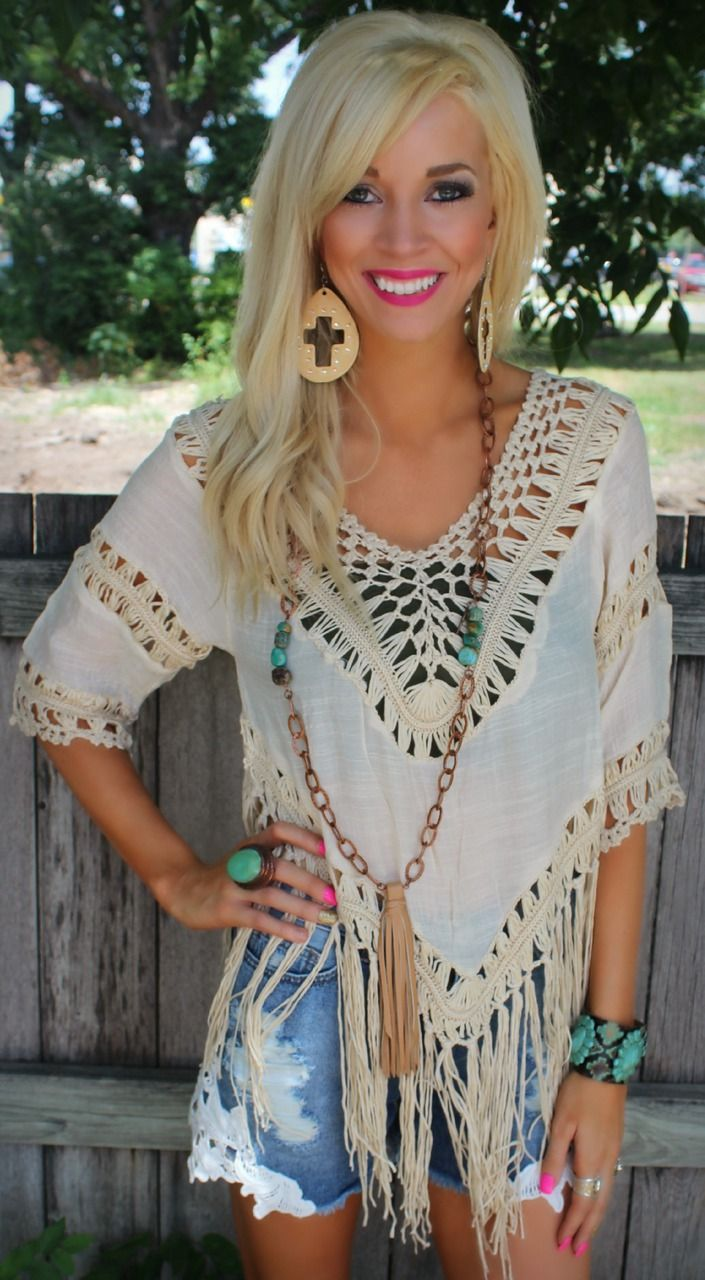 Conniption fit beige knit detail Get 10% off anything at thelacecactus.com with code KELSEYR10 at checkout! top - The Lace Cactus