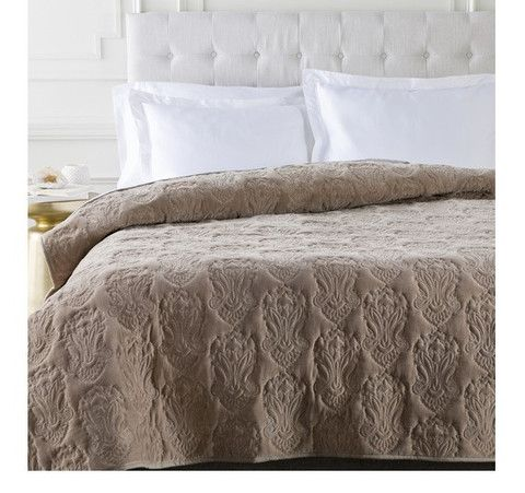Luxury Bedding For An Elegnt Bedroom   Medici Medallion Taupe Brown Quilt