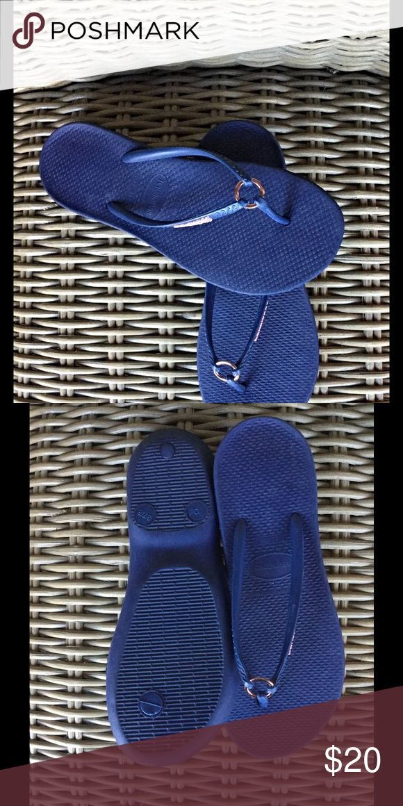 """Havannas """"ring"""" Flip Flop Navy NWOT 👙 Get ready for summer or that tropical vacation! Havannas navy flip flops. Be comfy and stylish! Havaianas Shoes"""