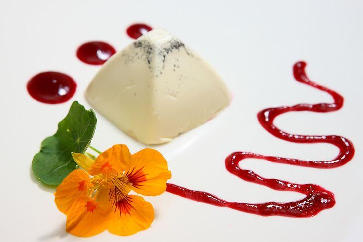 A co powiecie na taki deser?  #hotelklimek #hoteklklimekspa #deser #restauracja wmuszynie #muszyna #mountains #travel #relax
