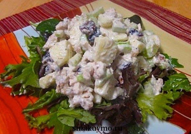 Классический салат Столичный с курицей