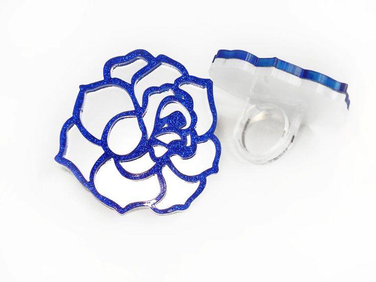 Rose Blue-White ring