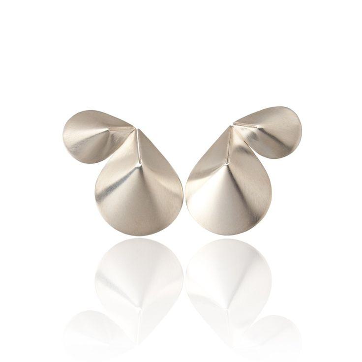 'Folds' zilveren oorbellen