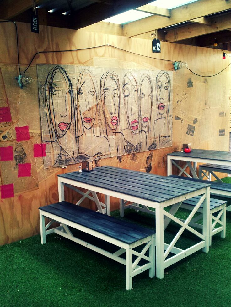 Courtyard seating @ Humburger