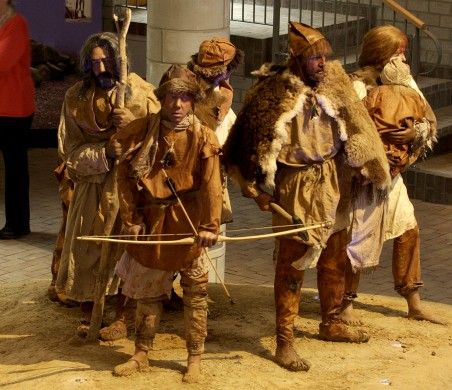 dit is de kleding van het tregterbekervolk. waarvoor hadden ze zo warme kleren