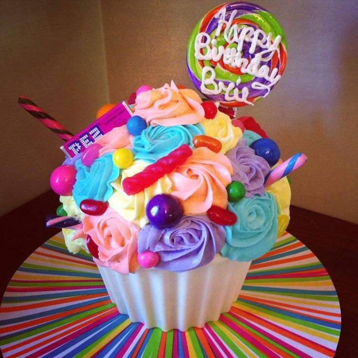 minion giant cupcake - Google Search