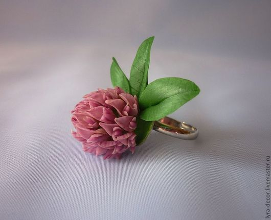 """Кольца ручной работы. Ярмарка Мастеров - ручная работа. Купить Кольцо из полимерной глины """"Клевер"""". Handmade. Брусничный, кольцо с цветком"""