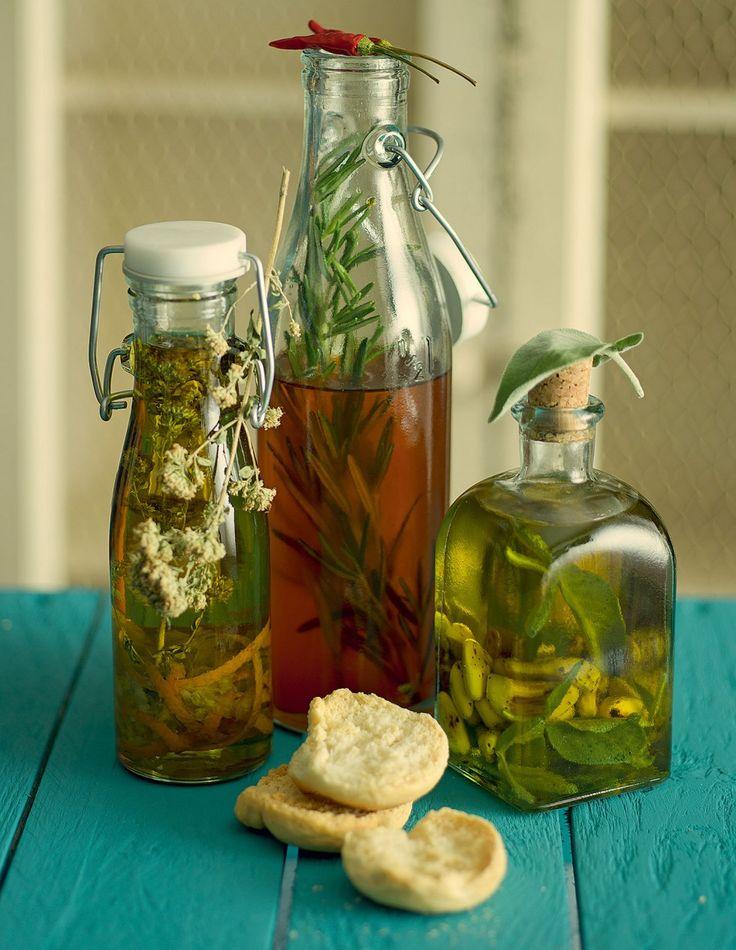 Cucchiaio d'argento: olio aromatico made home