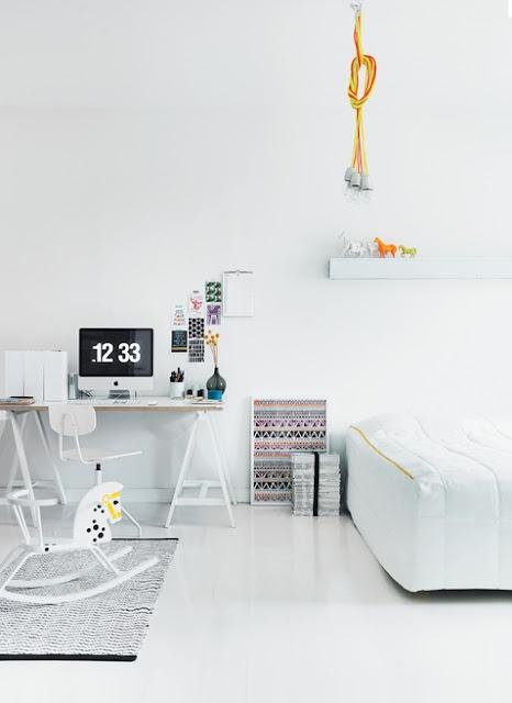 .: Rocks Hors, Interiors Design, Workspaces, White Rooms, Master Bedrooms, White Bedrooms, Petra Bindel, White Interiors, Kids Rooms