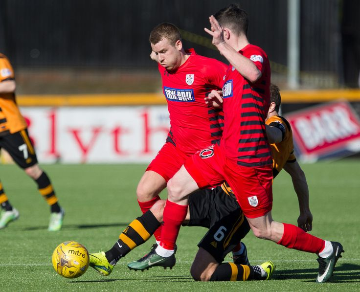 Queen's Park's Jamie McKernon in action during the Ladbrokes League One game between Alloa Athletic and Queen's Park