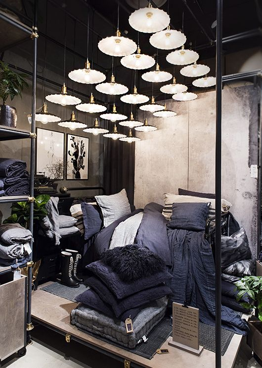 1328 best thuis met moon visual merchandising images on for Interior design blogs