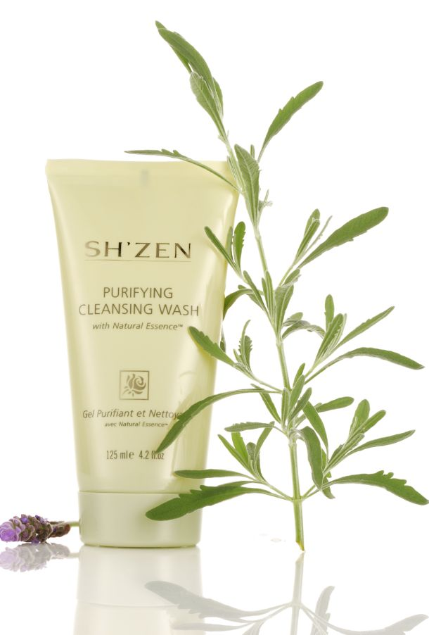 Natural Essence Purifying Cleansing Wash is a lightly foaming cleanser that has a delightfully fresh scent and works to thoroughly cleanse skin without stripping it of  essential moisture.