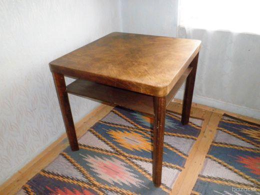 Stôl na rekonštrukciu
