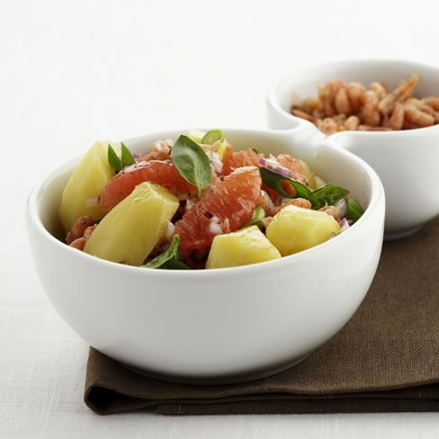 Aardappelsla met garnaaltjes en grapefruit