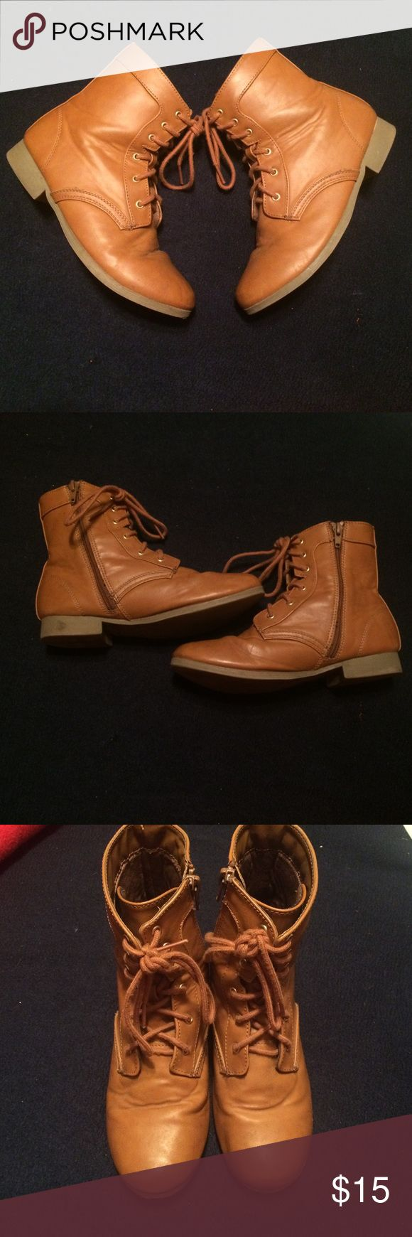 Youth Girls Size 4 Combat/Granny boot Adorable combat(granny) boot. In super good condition( see pics) $10 ( these r equal to a woman's Sz. 6) Shoes Boots