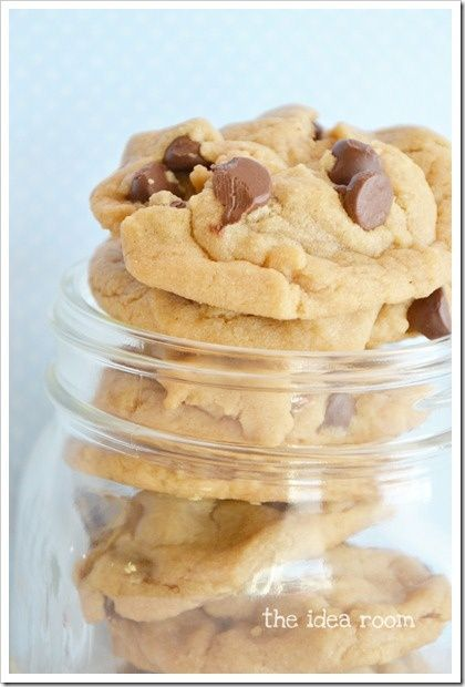 Supposedly World's Best Peanut Butter Chocolate Chip Cookies? Must try! - Click image to find more popular food & drink Pinterest pins