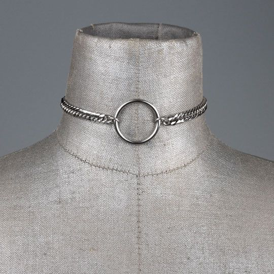 http://www.regalrose.co.uk/collections/all/products/layla-silver-chunky-chain-ring-choker