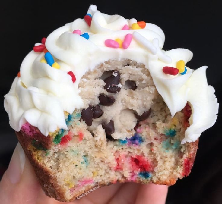 These gluten-free cupcakes only have 102 calories each and are filled with egg-less cookie dough. Find the recipe at Sarah Lynn Fitness.