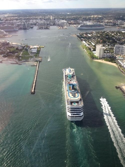 Carnival Conquest Cruises Into Her New Homeport, Port