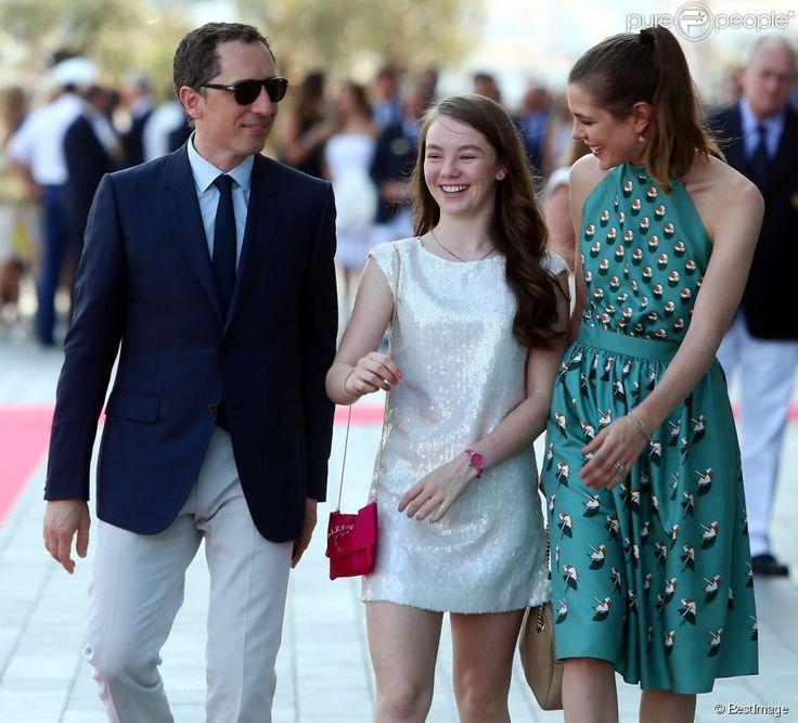Gad Elmaleh, Charlotte Casiraghi et la princesse Alexandra de Hanovre lors de l'inauguration du Yacht-Club de Monaco, le 20 juin 2014 au por...