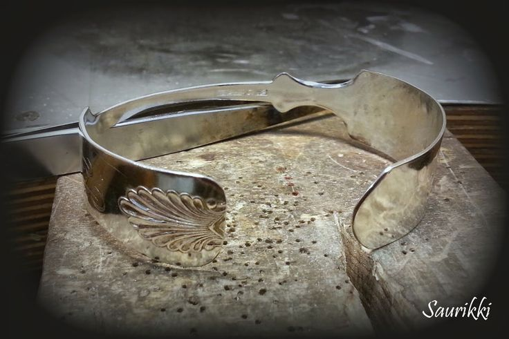 Bracelet made of an old silverspoon