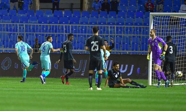مشاهدة مباراة الهلال والشباب بث مباشر اليوم السبت 25 1 2020 في الدوري السعودي Soccer Field Soccer Sports