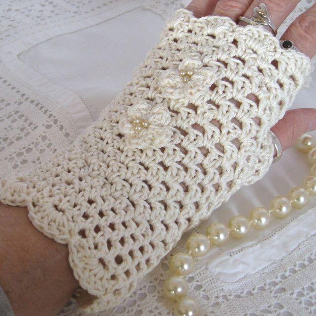 Cowl rosa collare d'epoca pulsanti crochet frilly | Uncinetto | Artigianato Popolare | Craft Juice