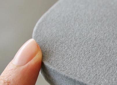 パネル表面はパイルコーティングされております。